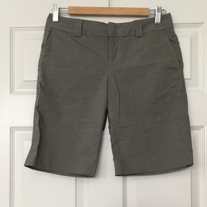 Banana Republic Bermuda Shorts Size 2